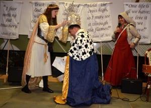 King crowning photo